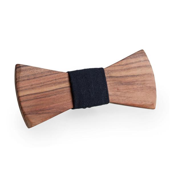 On ose le bois ! Voici un accessoire pas vraiment compliqué à nouer, décalé et trendy à souhait ces temps-ci. On en trouve avec toutes sortes de bois différents sur Oncle pape