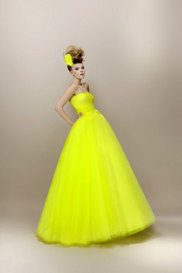 Robe de mariee jaune fluo