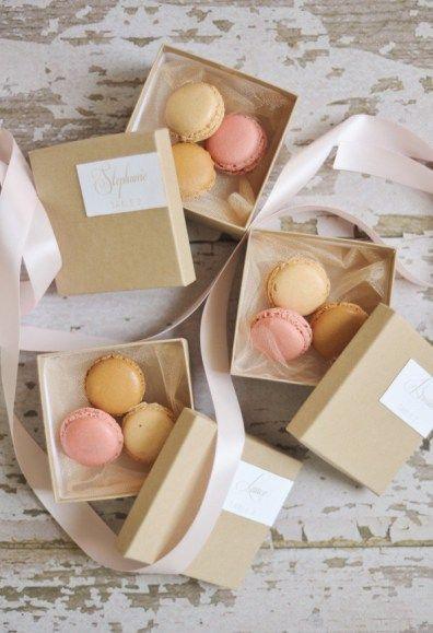cadeau convives macarons mariage parisien