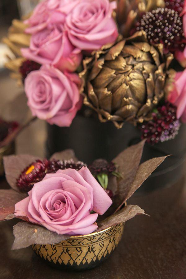 Tout comme la citrouille , l'artichaut offre de nombreuses possibilité. En doré il prend l'aspect d'une fleur de compte de fée pour un effet plus glamour