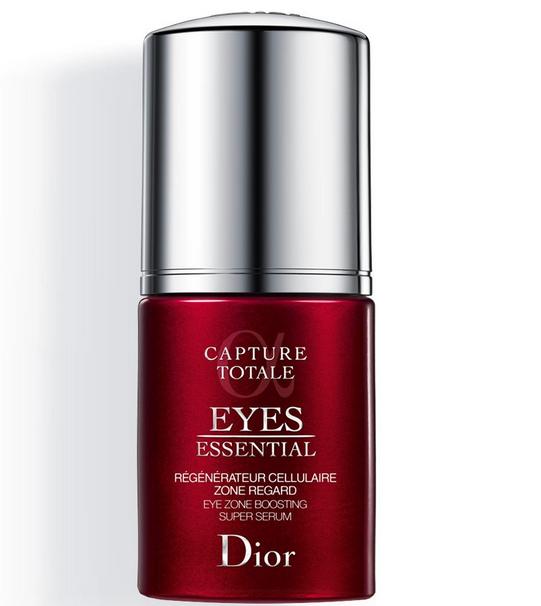 On détox son regard en choisissant ce produit de luxe qui comblera jour après jour poches, cernes et ridules et vous donnera une mine superbe pour marcher vers l'autel. Eyes essential, Dior, 68,50 euros.