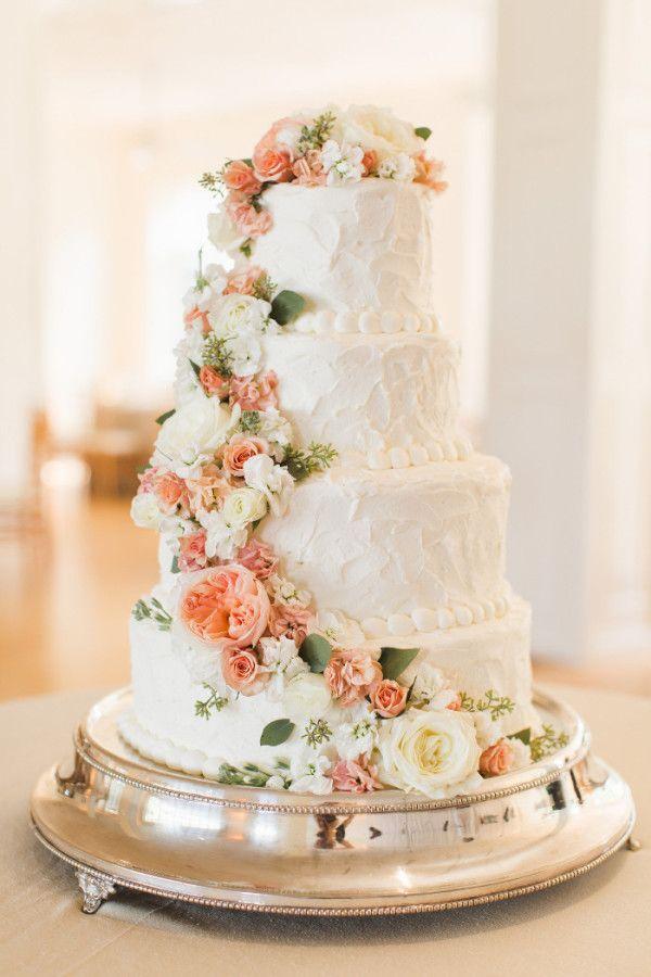 gâteau de mariage sans trop en faire, il suffit d'une cascade de ...