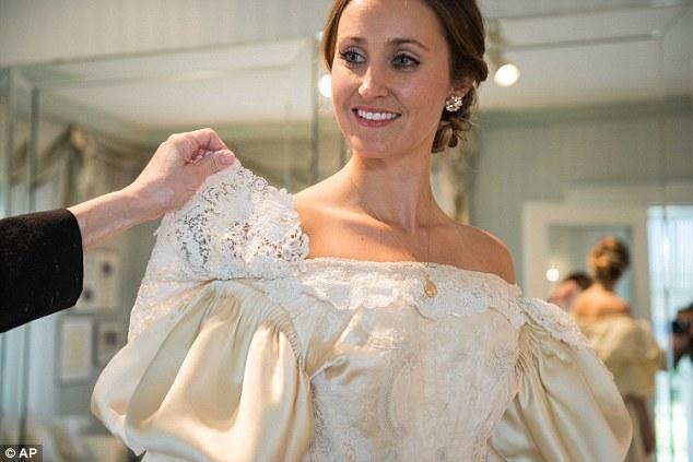 Abigail Kingston, mariée en 2105