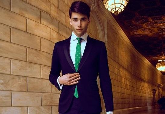 marié cravate verte