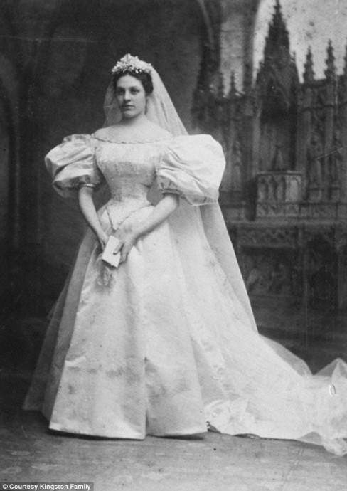 Mary Lowry Warren, première mariée à porter la robe en 1895