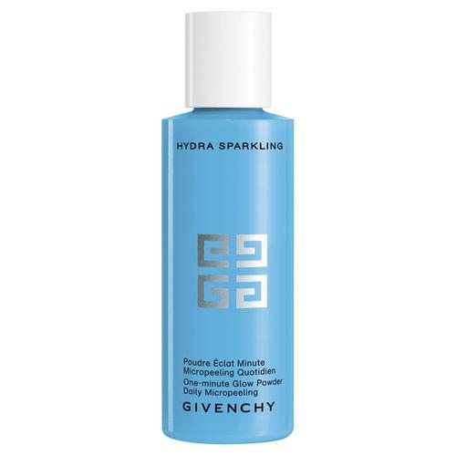 Surprenez-vous avec ce nettoyant qui propose une texture étonnante en se transformant en mousse au contact de l'eau. Après utilisation, il offre un éclat immédiat à votre peau.  Hydra Sparkling Poudre Eclat Minute, Givenchy, 41,50 euros.