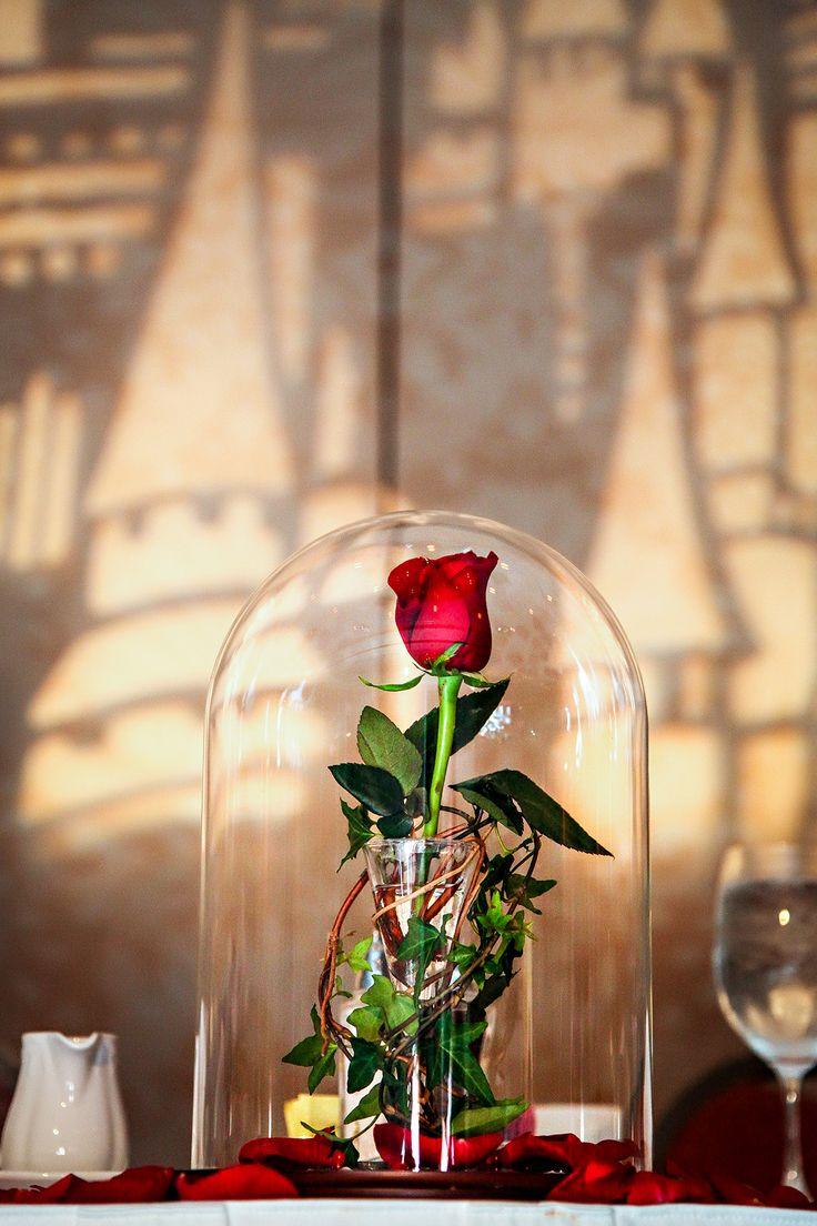 15 id es f eriques pour mettre en sc ne un mariage disney - Rose sous cloche la belle et la bete ...