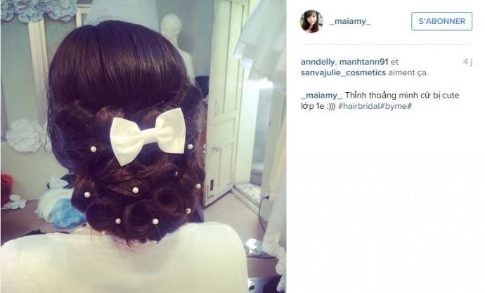 Une bonne idée pour les mariées les plus romantiques : un petit noeud et des perles dans les cheveux.
