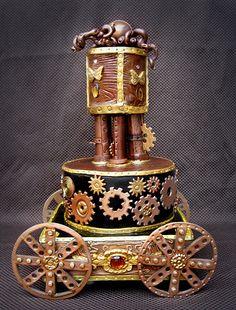 Rempli de petits engrenages, et coloré de cuivre, ce gâteau Steampunk est parfait !