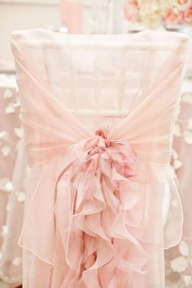 Mariage très romantique avec ce beau drap en soie rose...