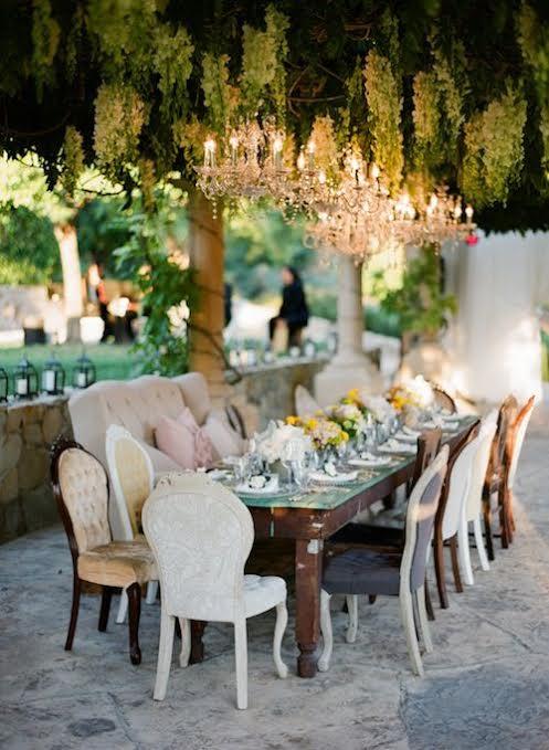 Des chaises dépareillés pour un mariage plus stylé !