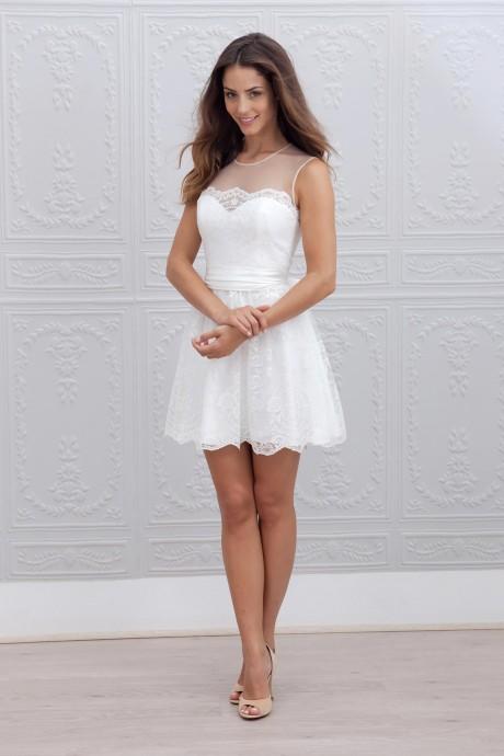 Une robe courte ? Ça change totalement ! Parfaite pour une cérémonie laïque, pour danser, la robe Mia courte de Marie Laporte, issue de la collection 2015 vous permet de dévoiler vos belles gambettes tout en restant sophistiquée.