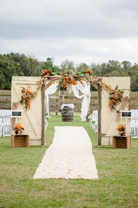 15 id es pour recycler de vieux meubles dans votre for Decoration de porte pour un mariage