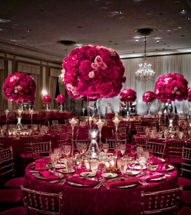 Roses Profusion Et a Donne Un Centre De Table Grandiose