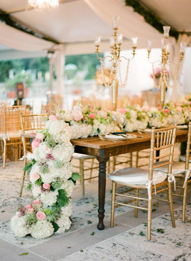 Préférence 14 façons de présenter ses guirlandes de fleurs à son mariage  UI66