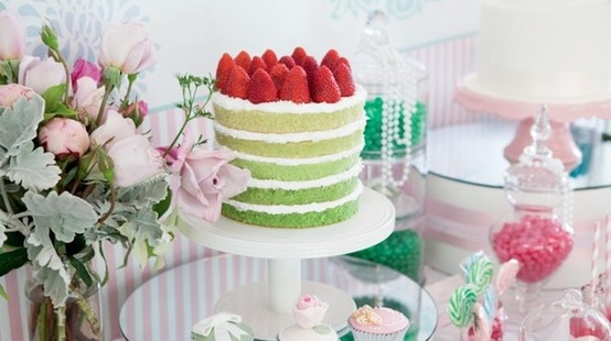 Naked cake couleurs pastels