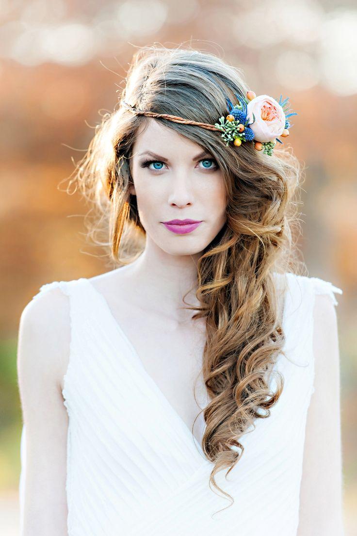 10 coiffures de mari e dans lesquelles on pique de jolies fleurs. Black Bedroom Furniture Sets. Home Design Ideas