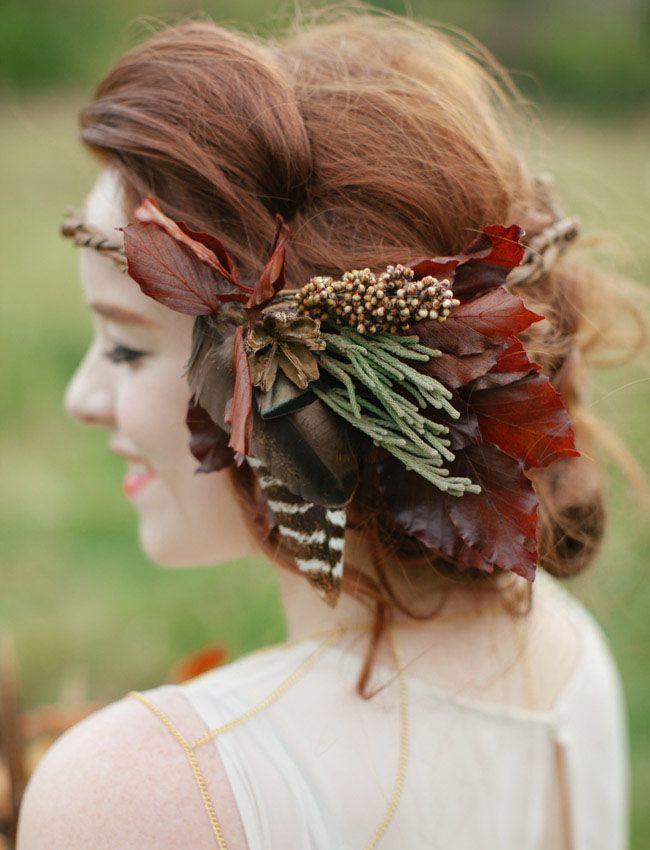 coiffure de mariee avec des fleurs dans les cheveux (6)