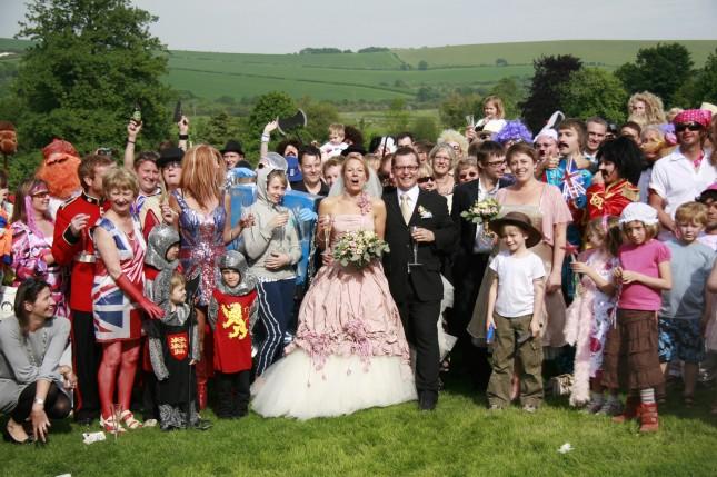 invites deguises pour un mariage