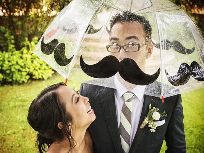 mariage-parapluie-moustache