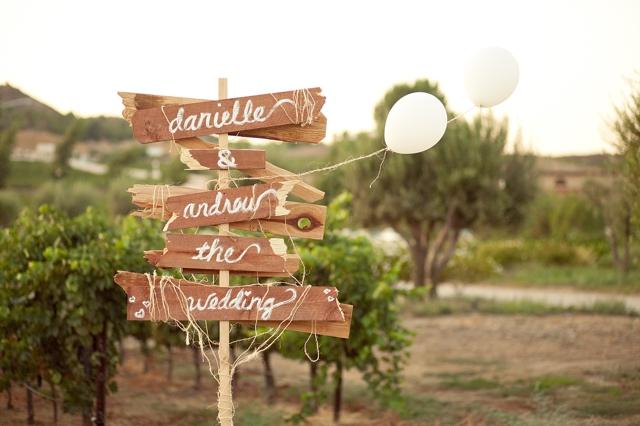 panneaux en bois pour un mariage