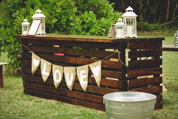 27-Of-The-Worlds-Best-Ways-to-Transform-Old-Pallets-Into-Outdoor-Furniture-homesthetics-wooden-pallets-decor-8