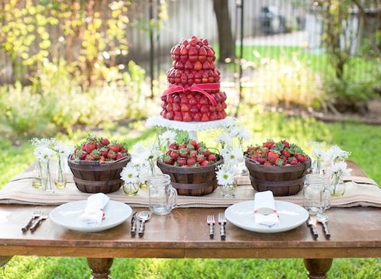 buffet-gateau-mariage-fraises