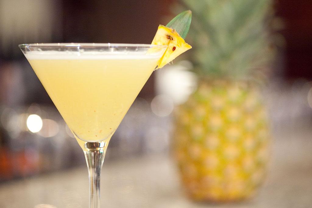 Noix De Coco Decoration Mariage : Cocktail au champagne noix de coco et ananas pour un