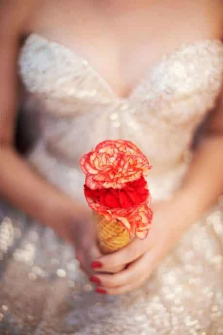 cornet de glace en guise de bouquet pour la mariee mariage
