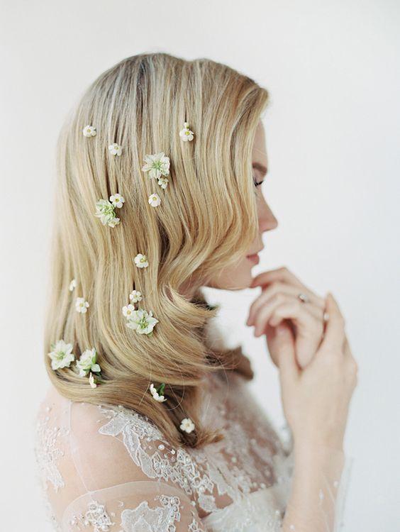coupe glamour avec mni fleurs