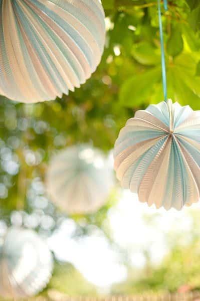 lampions colores dans les tons pastel mariage