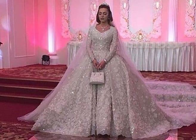 D couvrez quoi ressemble un mariage de milliardaires for Concepteur de robe de mariage russe