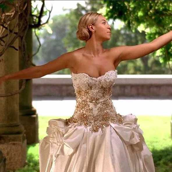 "Dans son clip ""The Best Thing I Never Had"", Beyoncé porte une robe de mariée Baracci."