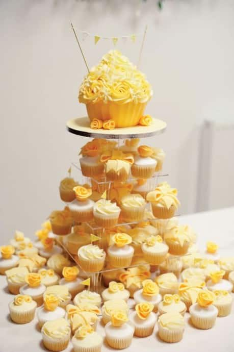 theme-de-mariage-buttercup-wedding-cake2