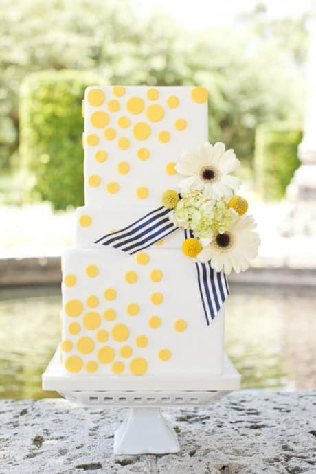 theme-de-mariage-buttercup-wedding-cake3