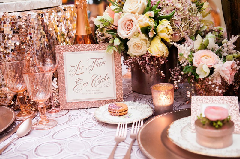 decoration de table rose gold et paillettes