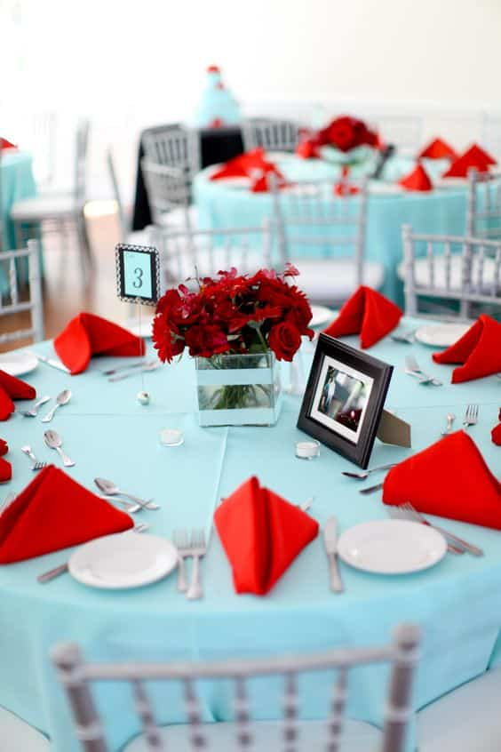 ambiance mariage bicolore turquoise et rouge