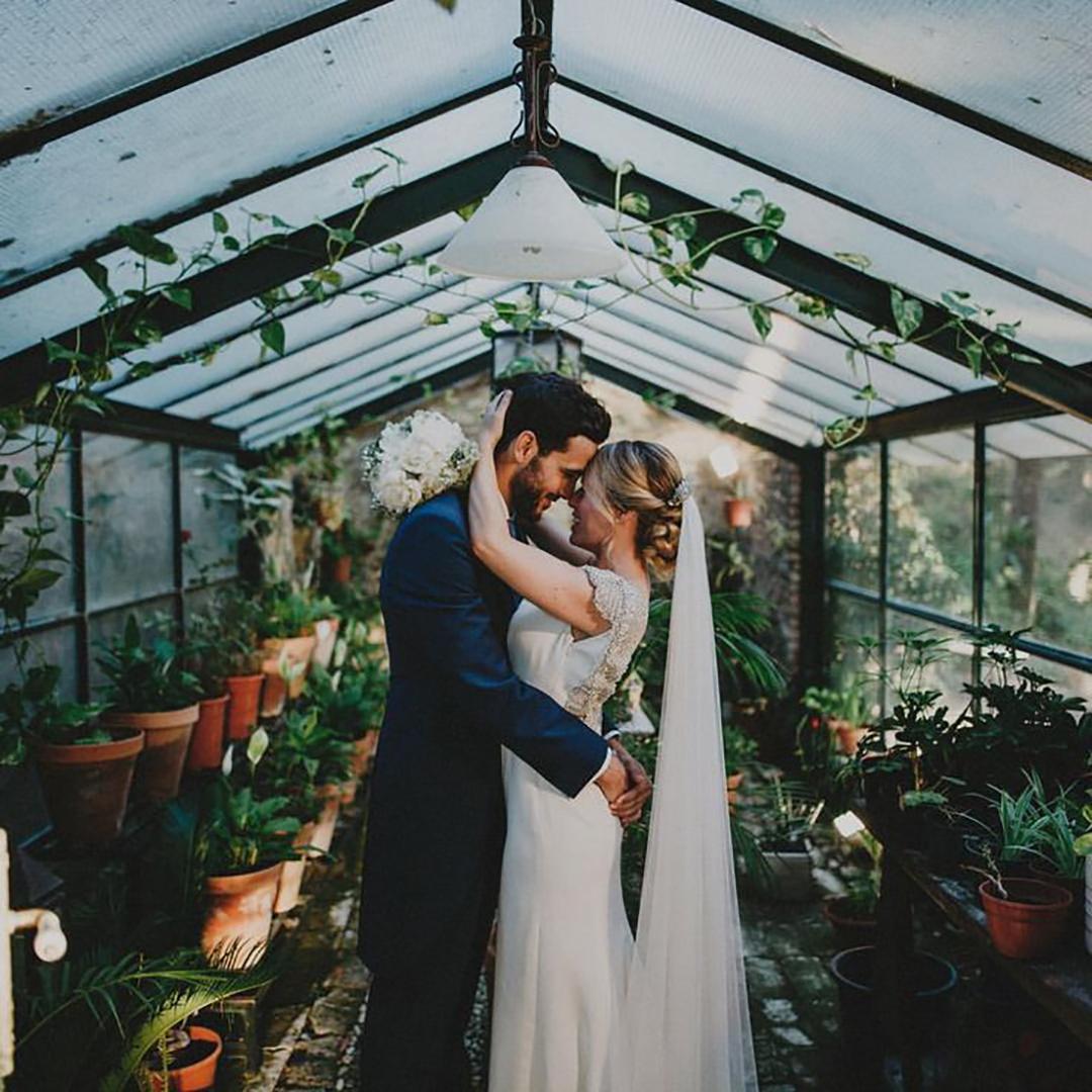 couple serre botanic plantes - Mariage Budget Serr