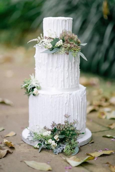 gateau mariage feuille et blanc