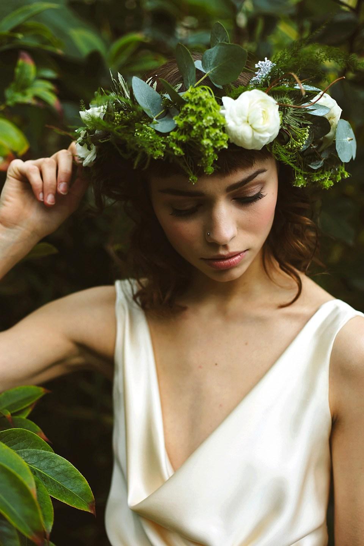 mariee serre botanic courronne fleurs - Mariage Budget Serr