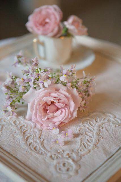 14 jolies mani res de jeter du rose poudr dans votre d coration de mariage page 2 of 2 - Deco mariage rose poudre ...