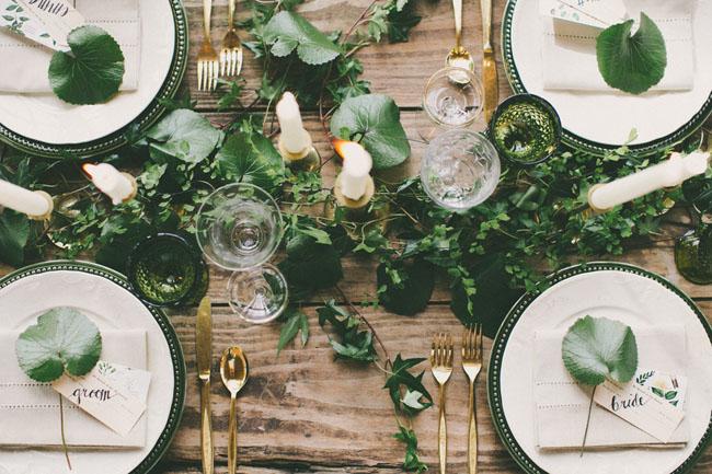 table vert feuille dore