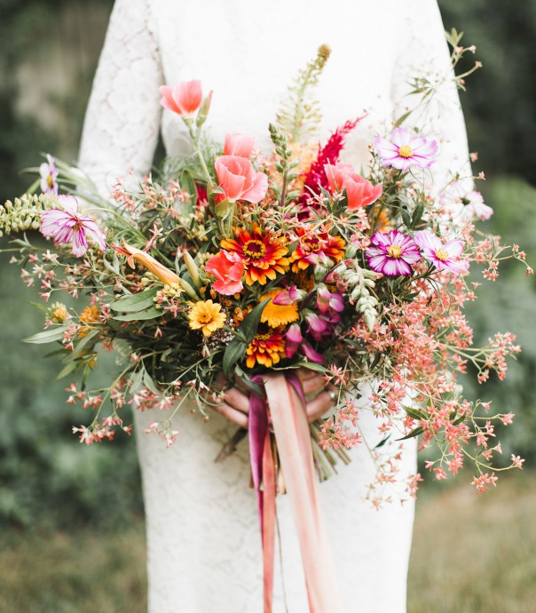 bouquet fleurs orange rose vert