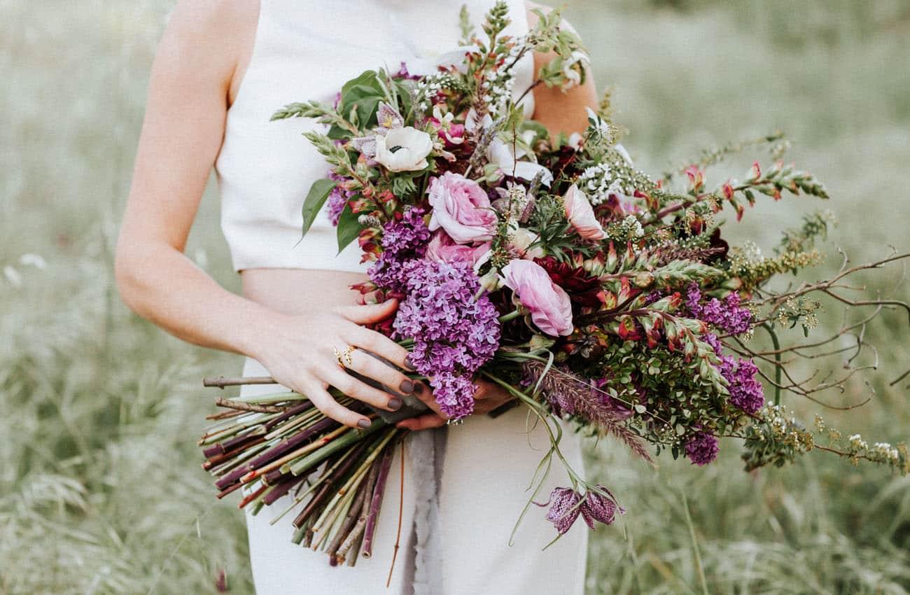 10 idées tendance 2017 de bouquets de mariée chics et sauvages - Mariage.com
