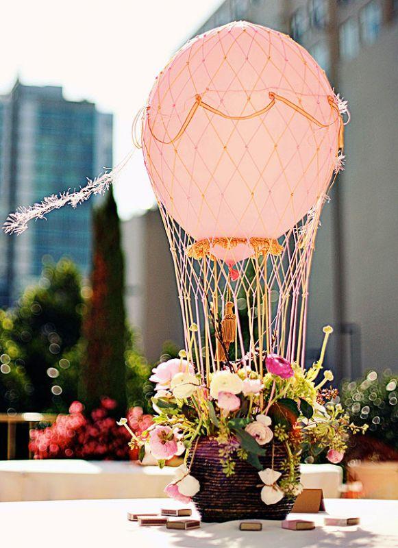 centre de table mariage montgolfiere
