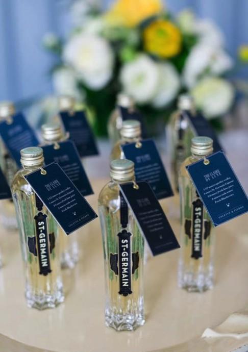 cocktails cadeaux pour invites clair de lune mariage constellation message