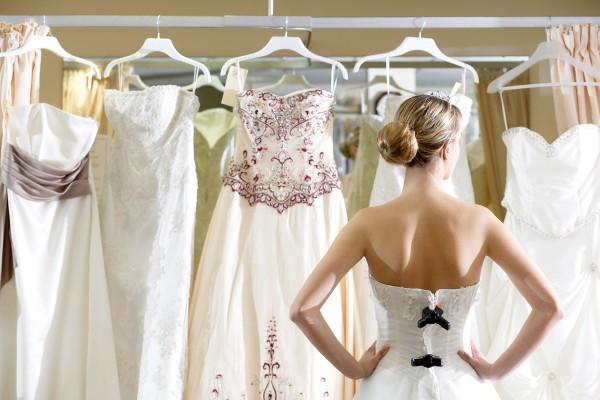 comment choisir la robe parfaite pour votre mariage infographie une