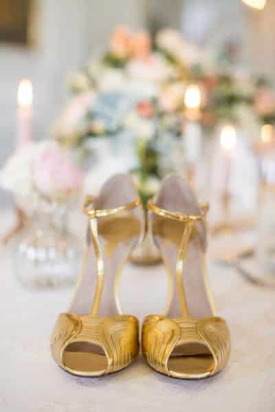 mariage dore accessoire mariee chaussures dores