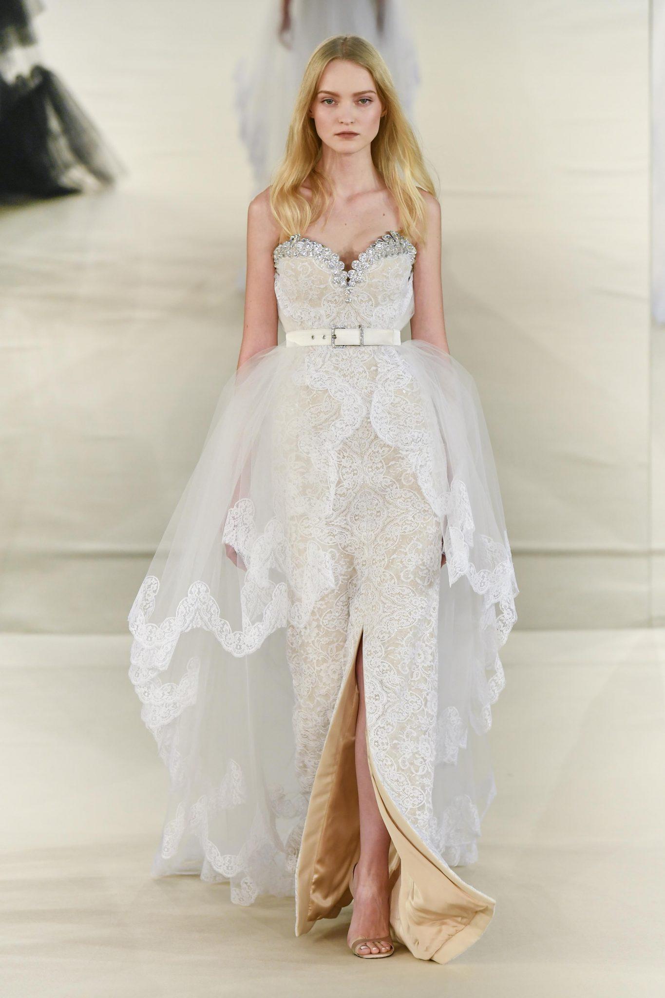 place aux 10 plus belles robes de mari e d couvertes lors des d fil s haute couture printemps. Black Bedroom Furniture Sets. Home Design Ideas
