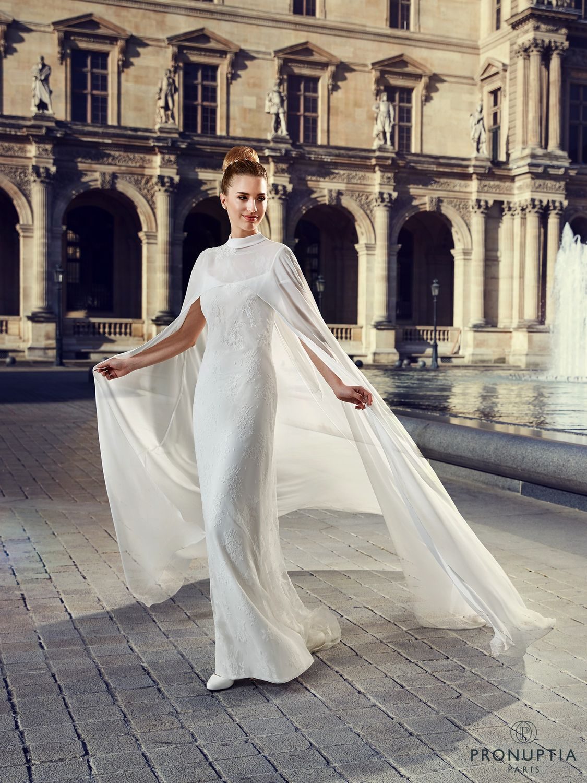 10 robes de mari e cape tendance 2017 pour une allure for Robes de mariage pour l hiver 2017